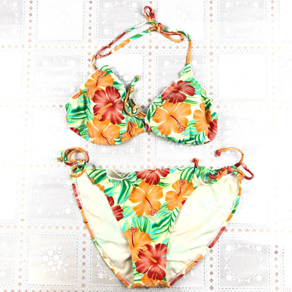 ef6d6ee544ef1 Old Navy Swim | Womens Suit Xl 2 Piece Bikini Floral | Poshmark